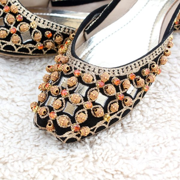 LK-004-Ladies-khussa-traditional-for-women-stitched-mojari-footwear-sandals-shoes-girls-fashion-culture-hand-made-stitched-online-sale-pakistan-pezaarpk-pezaar-heels-flats (1 (4)