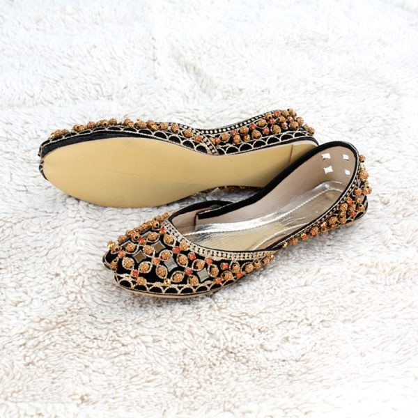 LK-004-Ladies-khussa-traditional-for-women-stitched-mojari-footwear-sandals-shoes-girls-fashion-culture-hand-made-stitched-online-sale-pakistan-pezaarpk-pezaar-heels-flats (1