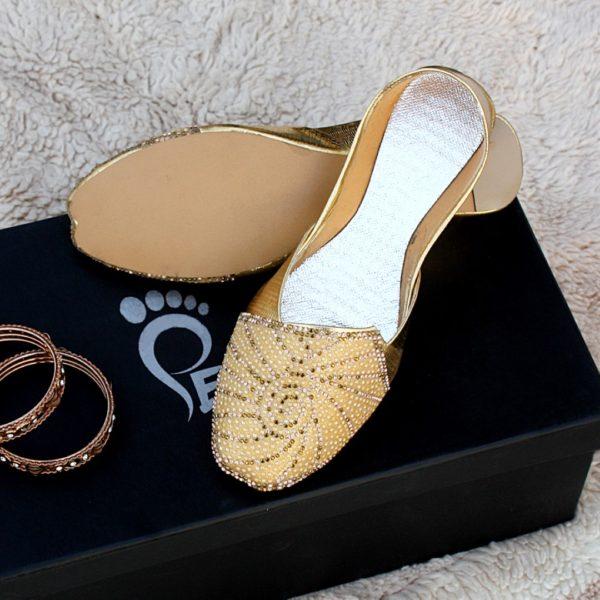 LK-015-Ladies-khussa-traditional-for-women-stitched-mojari-footwear-sandals-shoes-girls-fashion-culture-hand-made-stitched-online-sale-pakistan-pezaarpk-pezaar-heels-flats (1)